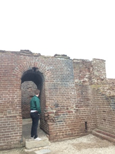 h exploring fort sumter