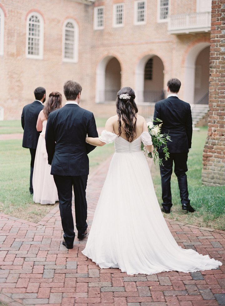 Wren Building wedding party photo William and Mary