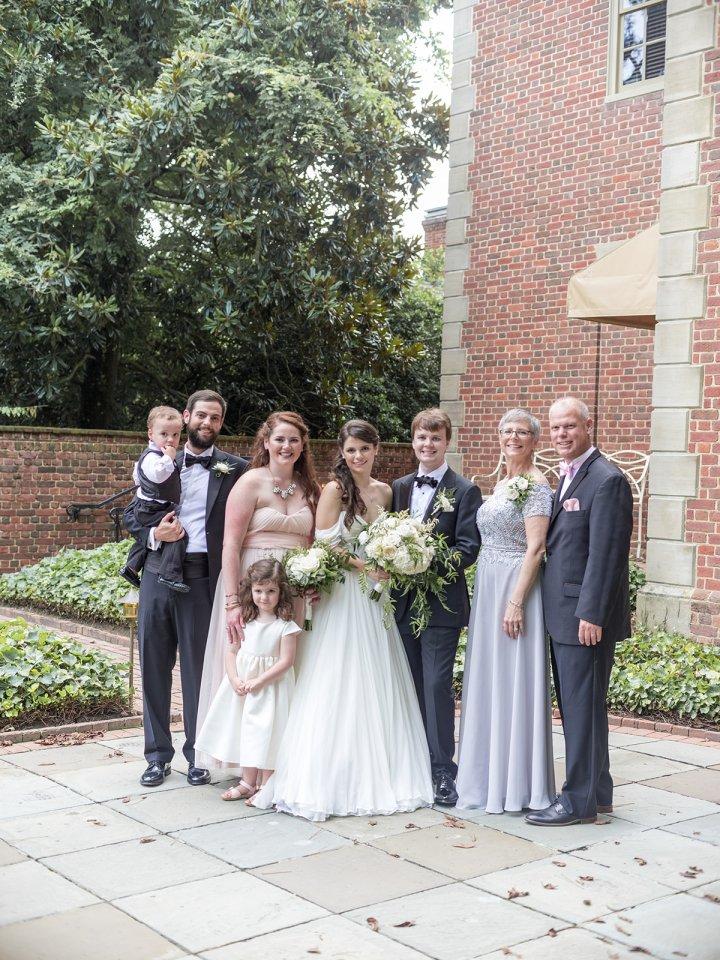 Williamsburg Inn family wedding photo